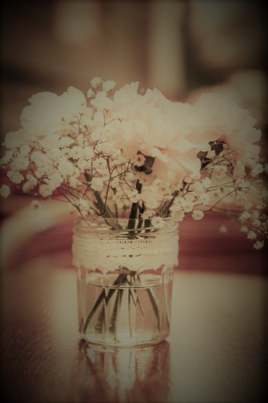flowers-on-table-gypsophelia-2